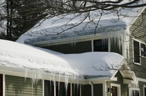 Post image for Do's & Don'ts For Removing Snow Off Your Roof