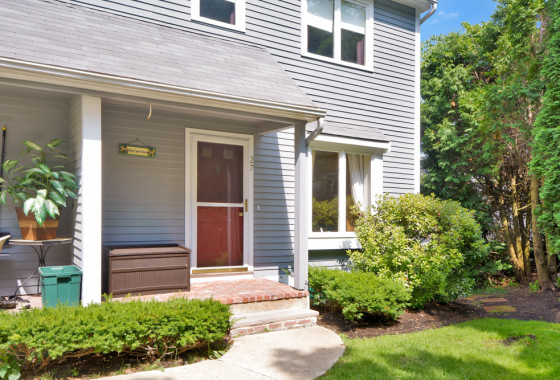 - 27 Country Hill Lane Haverhill, MA