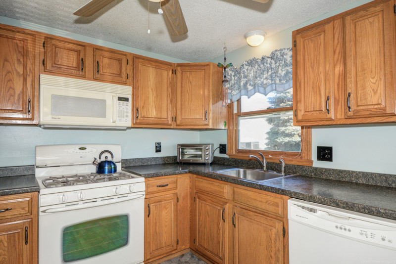 Kitchen - Merrimack Meadows Tewksbury, MA 01876