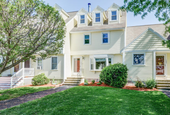 Condo for Sale in Tewksbury