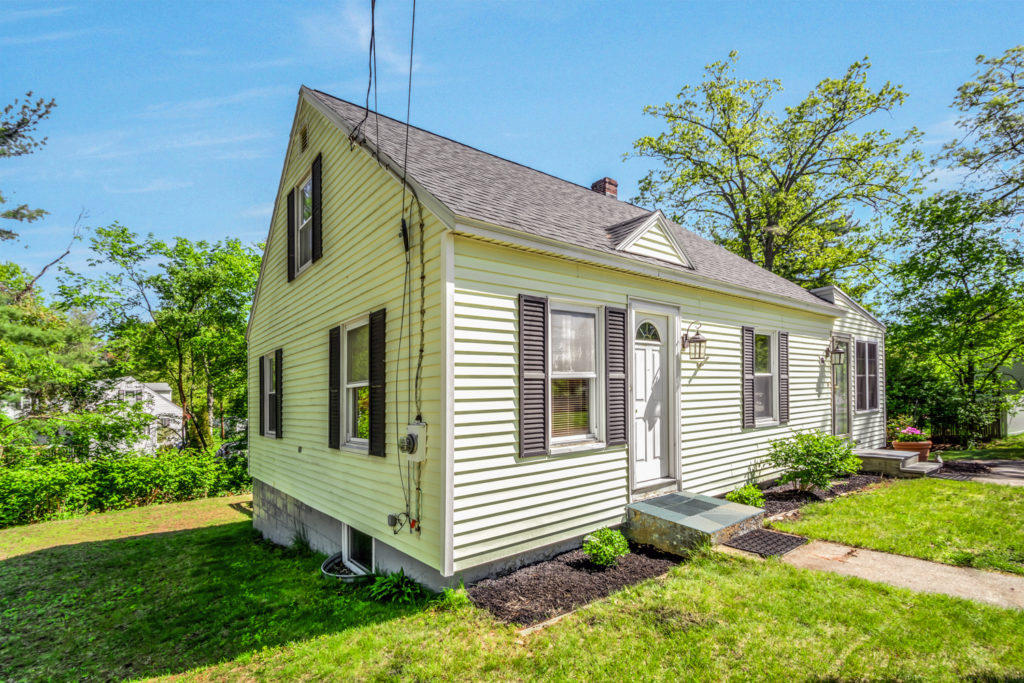 Tewksbury Home for Sale - Cape